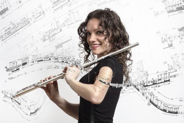 Sara Minelli Launches Her Debut Album